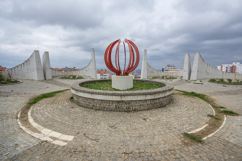 Martyrs' Monument, Pristina