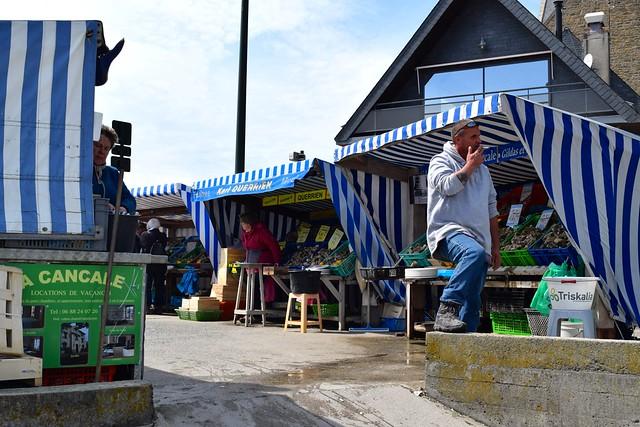 Cancale Oyster Market, Brittany | www.rachelphipps.com @rachelphipps