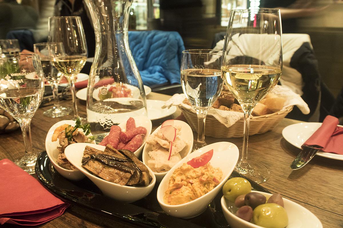 appetisers-hotel-montana-wine-bar-st-anton