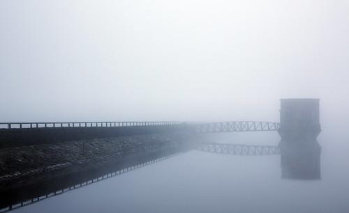uk sky mist lake fog wales canon landscape eos britain outdoor dam steve cymru cardiff reservoir breconbeacons caerdydd 5d brecon beacons mkiii garrington wentloog stevegarrington