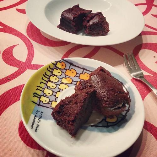Zoete zonde van de week: de lekkerste brownies ever. 💕 #paleo #paleobrownies #paleodessert #brownies #homemade