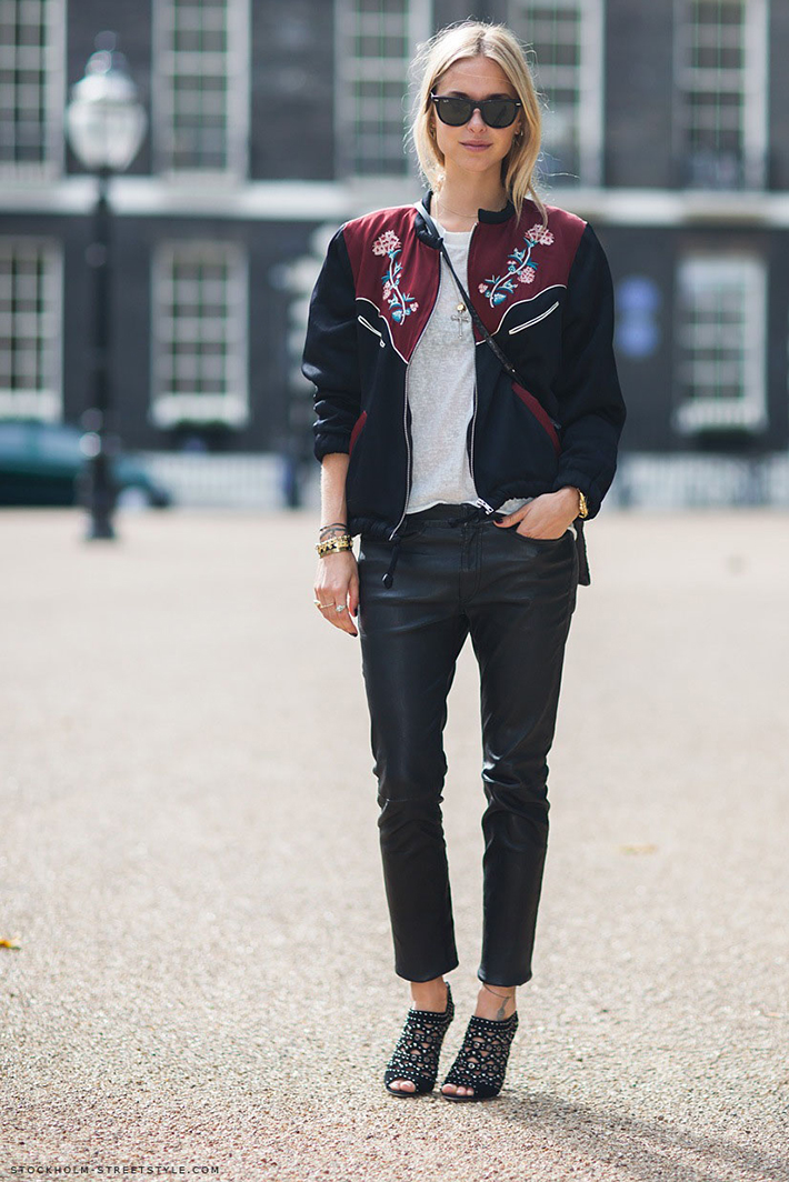 Bomber jacket street style outfit fashion12
