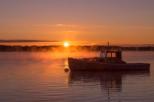 ocean sunrise dawn maine lobster lobsterboat fiveislands