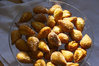 almond dough nuts (Mutzenmandeln)