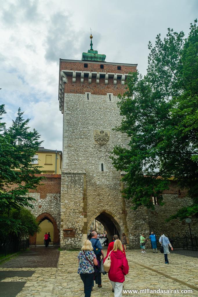 Entrada al casco antiguo por la Puerta Florian