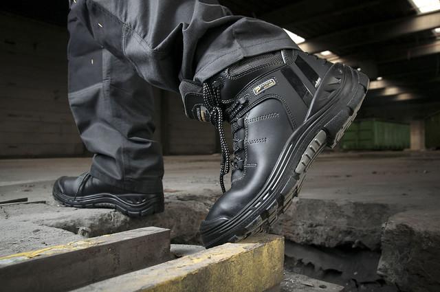 Giày bảo hộ cao cấp nhập khẩu