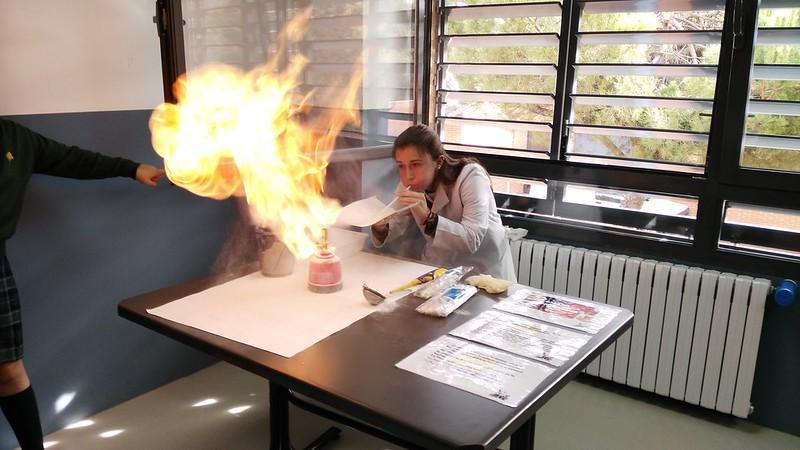 Experimentos durante la mañana de las ciencias 2016