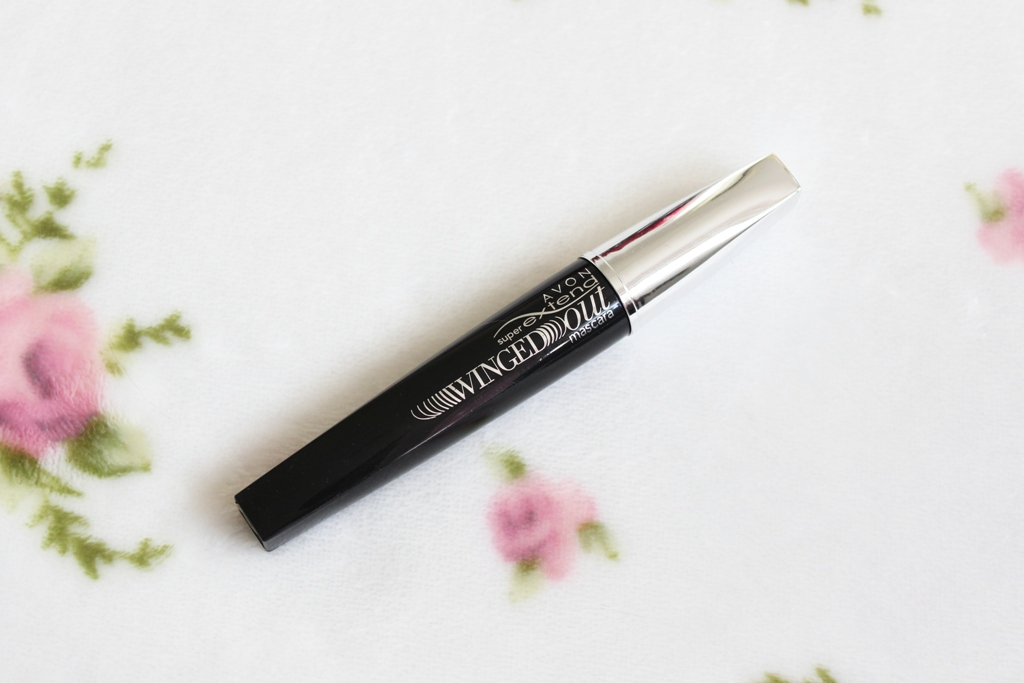 Avon SuperExtend Winged Out Mascara (1)