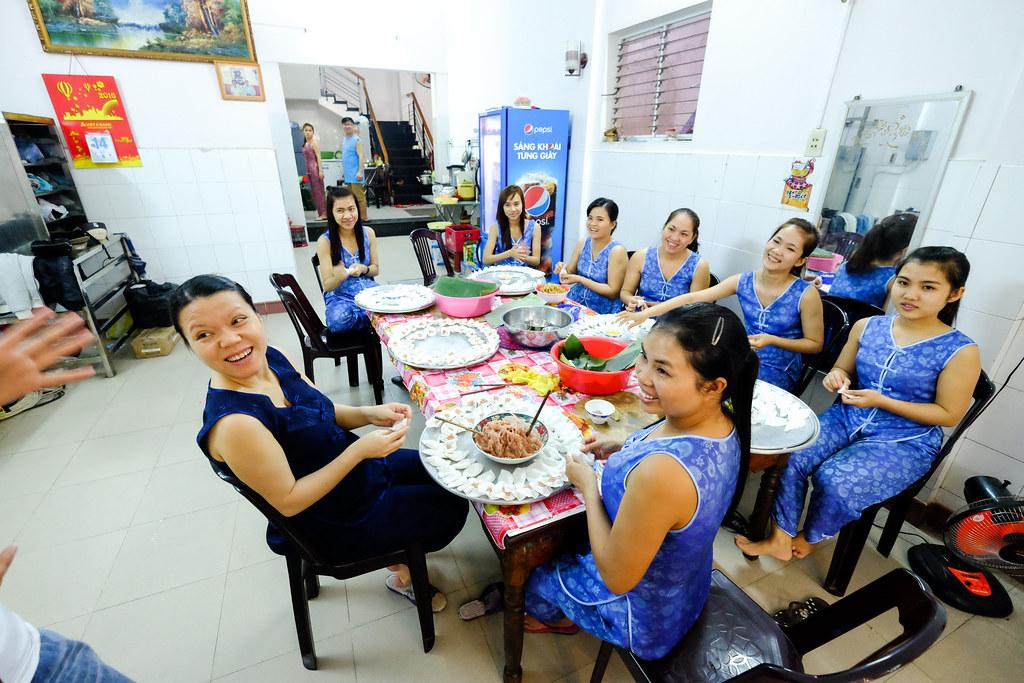 海一个食物之旅:白玫瑰餐厅的员工