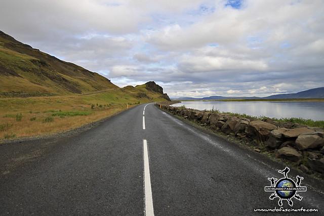 Carretera asfaltada (Primaria) - ISLANDIA