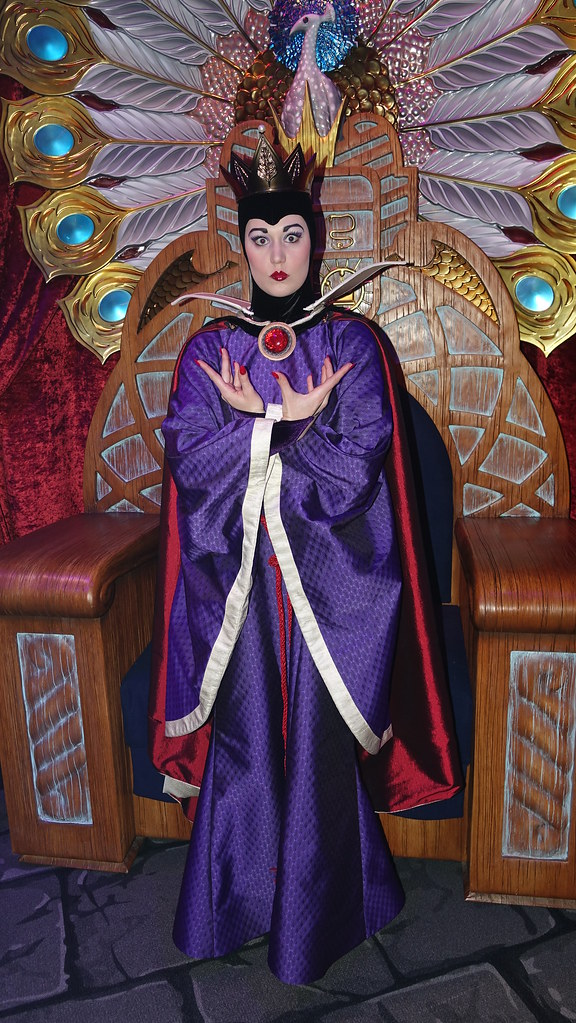 Snow Queen Club Villain at Disney's Hollywood Studios in Disney World (195)