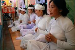 JMF274447  - Vietnam - Fieles devotos en el Templo Cao Dai de Tay Ninh