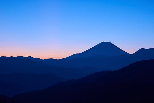 mountain japan sunrise landscape sony 日本 富士山 mtfuji worldheritage amount carlzeiss 山梨 世界文化遺産 a99 diamondfuji sal2470z ダイアモンド富士 variosonnart2470mmf28za α99 slta99v hiizurusatopark 日出づる里農村公園 富士川町高下