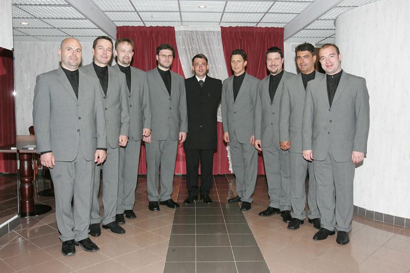 2004 Slovenski oktet - foto Uroš Zagožen
