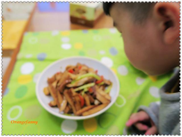 160208 芹菜肉絲豆乾-04