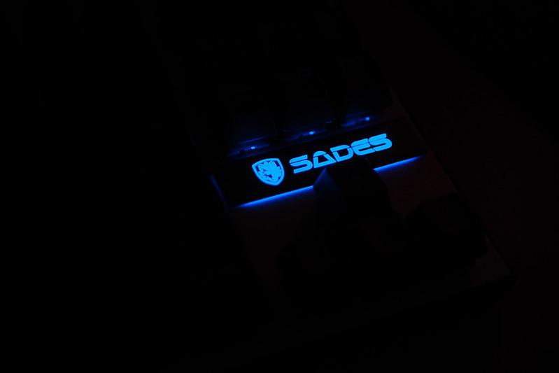 Sades karambit 賽德斯 機械式鍵盤 青軸