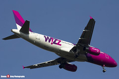 HA-LPS - 3771 - Wizzair - Airbus A320-232 - Luton, Bedfordshire - 2016 - Steven Gray - IMG_4923