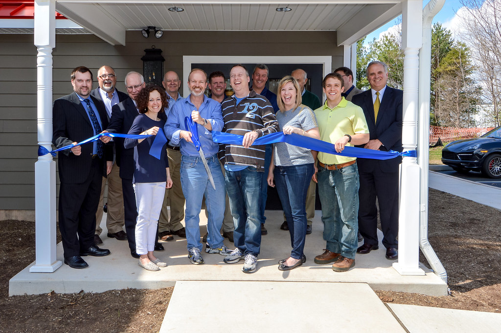 RibbonCutting_print-1162