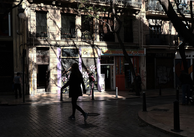 at a corner of El Carmen <Valencia light &amp; shadow>