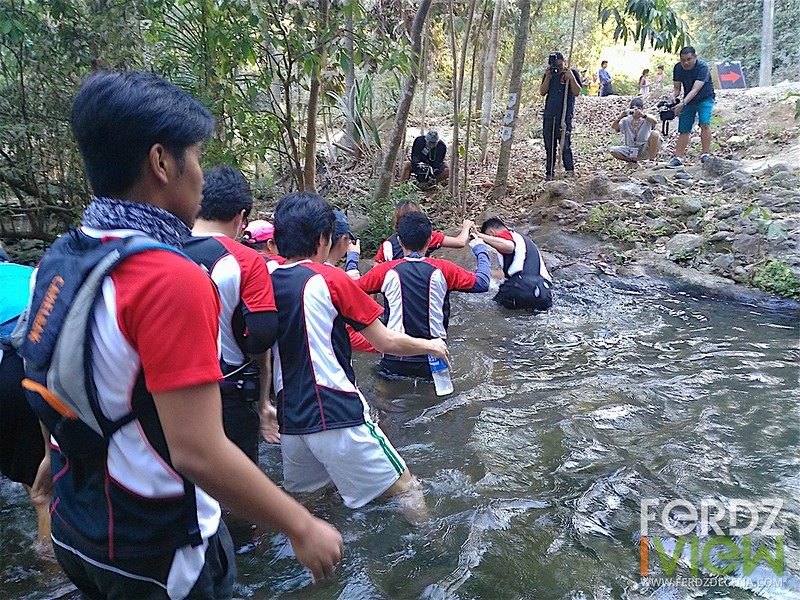 Crossing the Pamulaklakin Stream