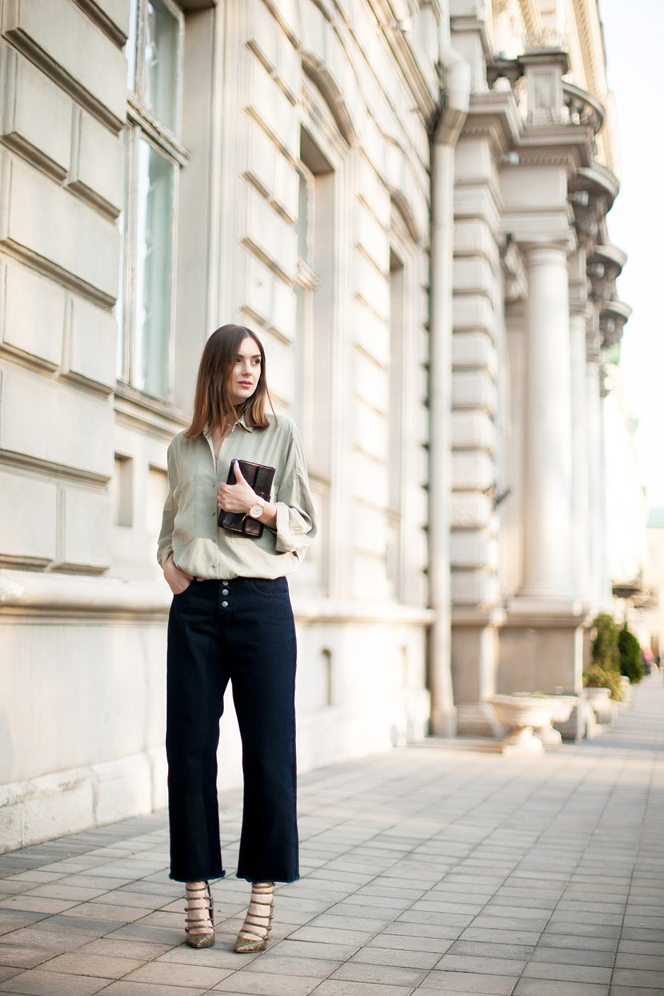 khaki-green-olive-shirt-outfit-street-style