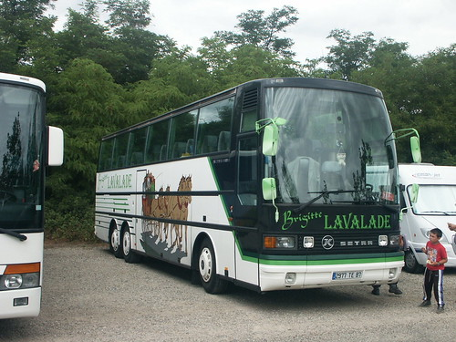 Setra S215HDH Voyages Lavalade Walibi Agen (47 Lot-et-Garonne) 20-06-04a