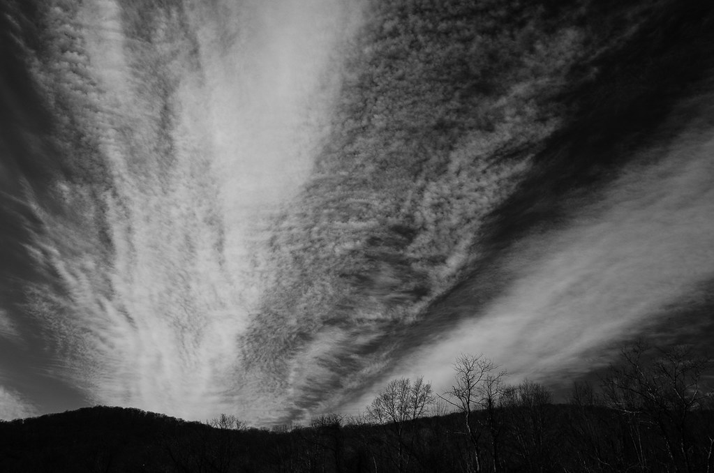 Cirrus clouds on the AT