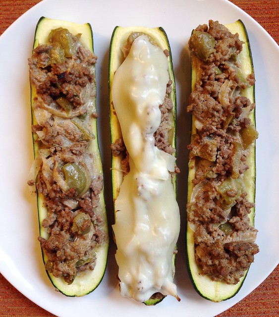 philly cheesesteak stuffed zucchini