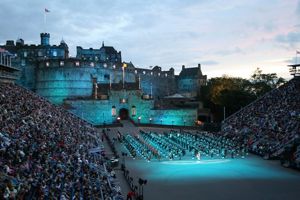 Edinburgh tattoo 2017 holiday inn 2 night package for Travel to edinburgh scotland