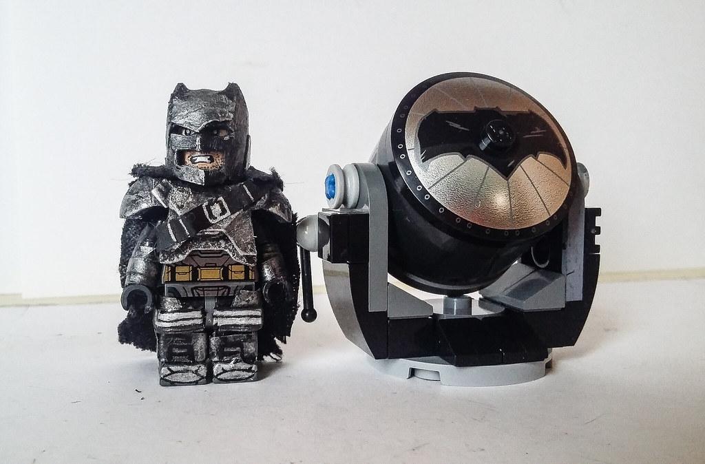 Batman V Superman Aquaman Damaged Armored Batsuit Batsignal