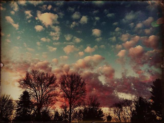 Clouds at Sunrise #clouds #sunrises #morning #bloomingtonindiana #beautifulday #spring skies #indianaskies