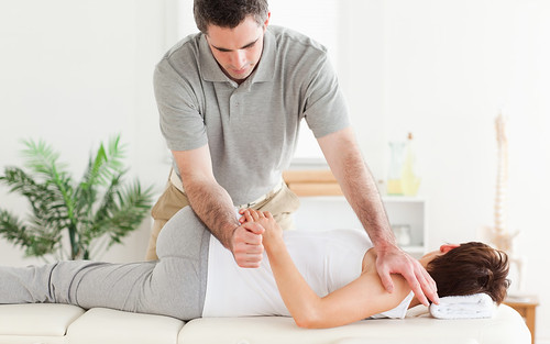 How chiropractic care helps in addiction treatment thumbnail