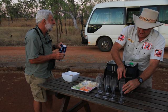 澳洲昆士蘭Undara 火山NP-Wildlife at Sunset Tour香檳起士薄餅看夕陽賞蝙蝠-20141116-賴鵬智攝