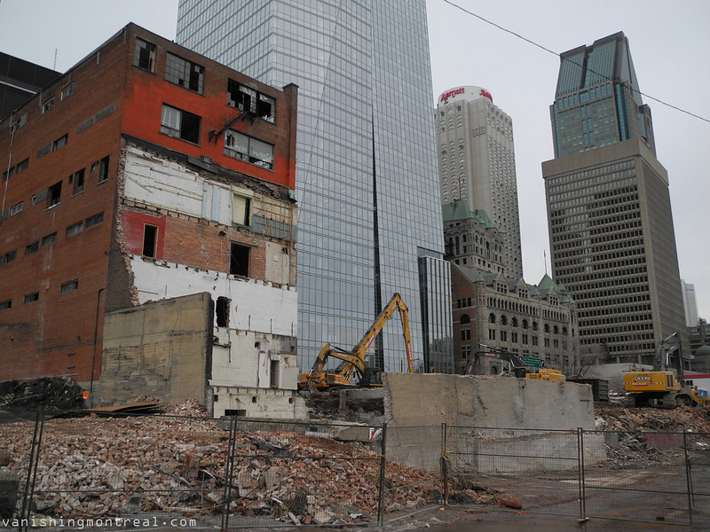 Demolition of old buildings on St-Antoine 7
