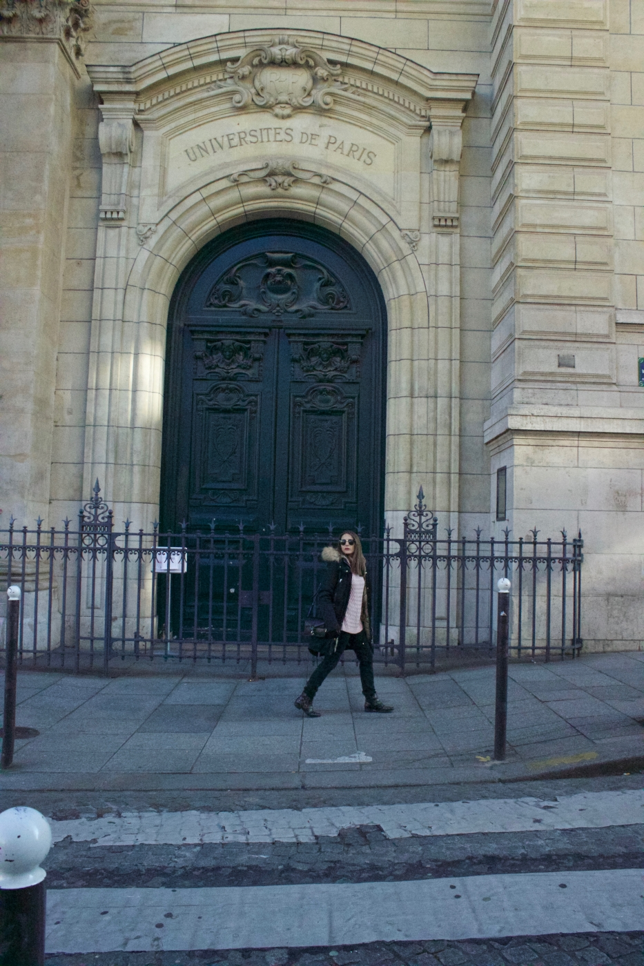 lara-vazquez-madlula-Paris-université-sorbona-look-ootd