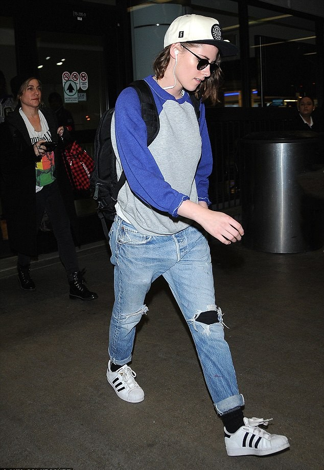 torn-jeans-with-tights-underneath-adidas-originals-trainers-baseball-top-baseball-hat-cap-sunglasses