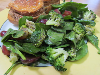Broccoli, Grape, and Spinach Salad