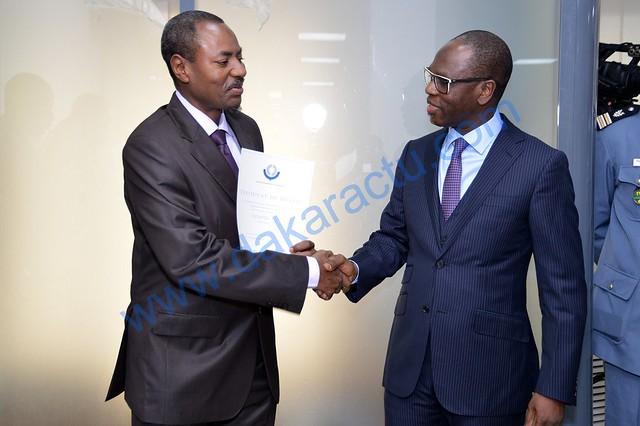 Poignee de main Amadou Deme Sonatel Birima Mangara Ministre-dakaractu