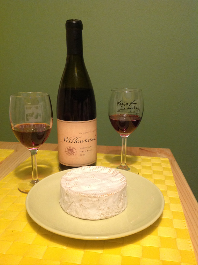 Pinot-Vember, Pinot Noir and Camembert 1