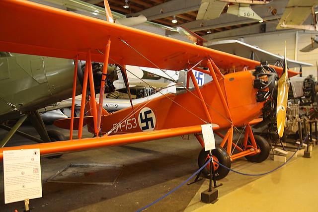 SM-153