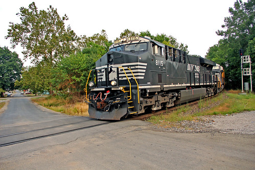 norfolksouthern norfolksoutherntrains centraliaillinois ns8115 nsinillinois norfolksoutherninillinois