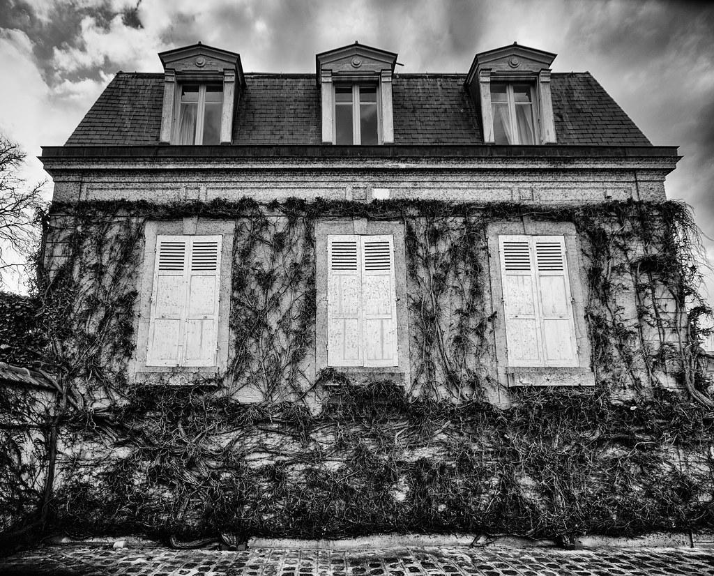 La Maison Emprisonnée