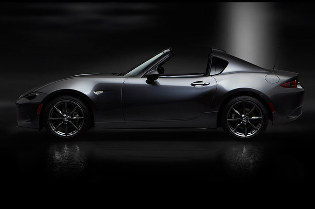 2017-Mazda-MX-5-Miata-RF-profile-top-down