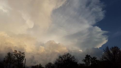 thunderstorm cloudsstormssunsetssunrises