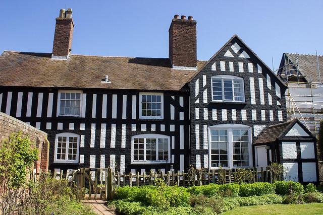 Boscobel House & a royally approved book nook