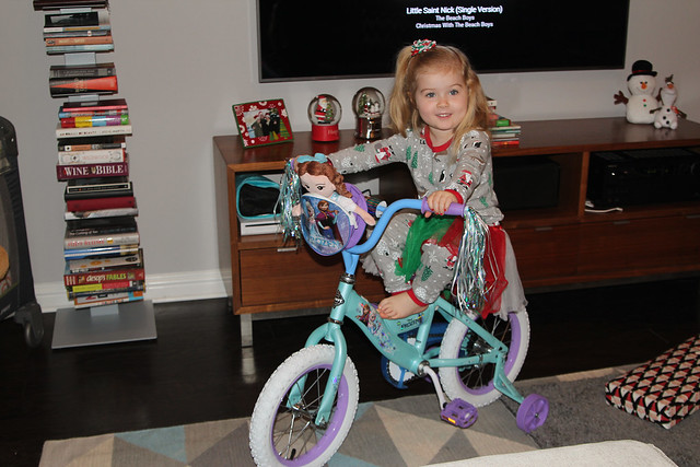 Harper got a bike!