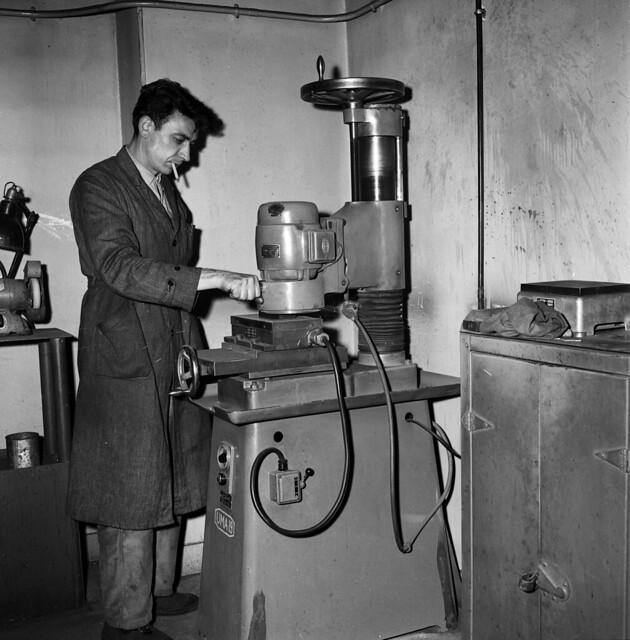 Ateliers de mécanique Pékly à Paris en 1958