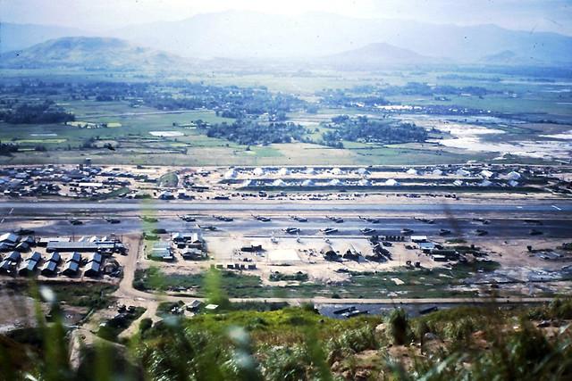 DUC PHO 1969-70 by John Davidson - Phi trường Đức Phổ nhìn từ trên Núi Dàng - Quảng Ngãi  1969-70