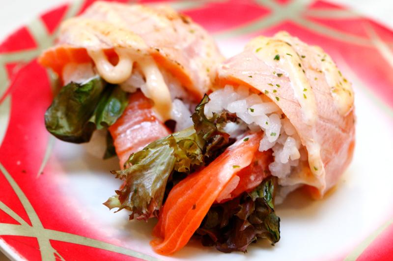 Salmon Mentai Sushi Roll