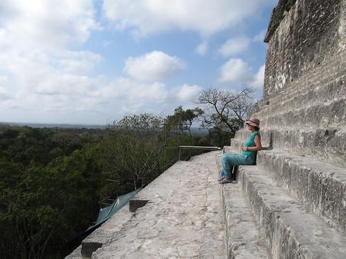 Tikal: vue depuis le Temple à la Double Tête de Serpent